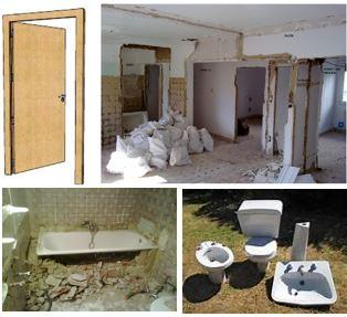 Demoliciones varias con sacos de escombros apilados, demolición tabiques, bañera y aparatos sanitarios.