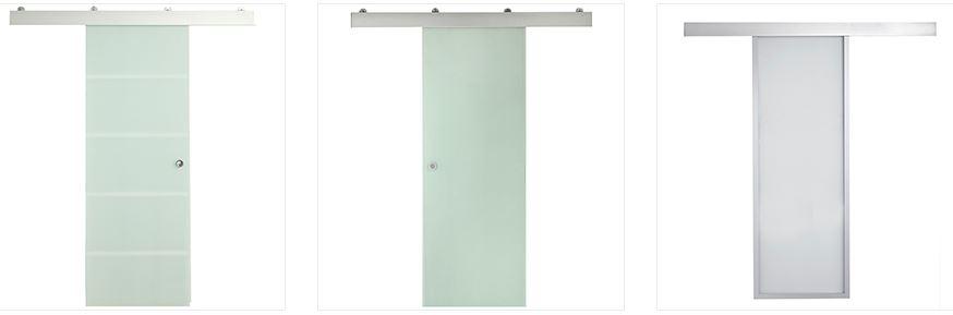 Arcolínea: Puertas correderas de cristal con herrajes vistos de acero por fuera.